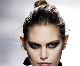 Model: Catherine McNeil