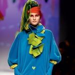 Eden izmed priljubljenih motivov iz kolekcije pomlad/poletje 2008 krasi tudi prihajajoča jesenska oblačila. (foto: Fotografija arhiv Agathe Ruiz de la Prada in Imaxtree)