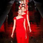 Na kratko: Valentino, Lagerfeld, de la Fressange, Victoria's Secret, Playboy