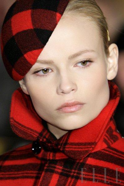 Model: Natasha Poly - Foto: Fotografija Imaxtree