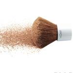 S kaolinom in cinkom – popolna formula za mešano in mastno kožo: Aéra Teint Mineral, Vichy, 23 €. (foto: Fotografija promocijsko gradivo)