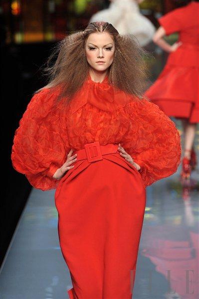Na kratko: teden visoke mode v Parizu, Marc, D&G, Wang - Foto: Fotografija Imaxtree, Fotografija promocijsko gradivo