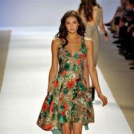 Nanette Lepore, pomlad-poletje 2009 (foto: IMAXtree)