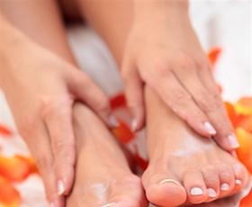 Gladki komolci in stopala
