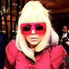 Estelle in Lady GaGa med oblikovalce