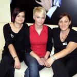Lassanini frizerki Ana in Sara ter nagrajenka Tjaša v salonu na Stritarjevi 9 v Ljubljani. (foto: Fotografija Lassana)