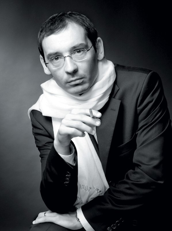 Tadej Toš, gledališki igralec, stand up komedijant, voditelj - Foto: Fotografija Damjan Švarc/SNG Maribor