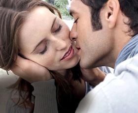 Do neustavljivo privlačnih ustnic z naravnimi sestavinami.