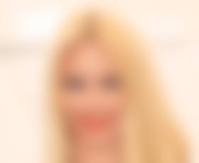 Claudia Schiffer ne želi več na modne brvi