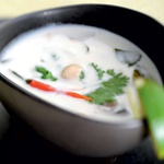 Kokosova juha s piščancem (Tom Ka Gai) (foto: mateja jordović potočnik)