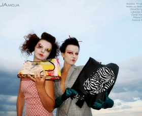 MOJA MOJA Geisha & Clown