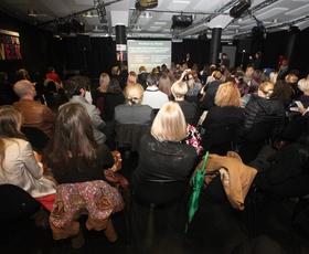 Tuji modni strokovnjaki o polnih predavalnicah Philips Fashion Weeka