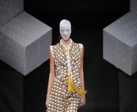 Foto utrinki z modne revije Philips FW IV. (sreda ob 21. uri)