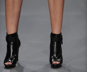 Čevlji na Fashion Weeku: Modna revija I