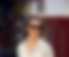 Pippa Middleton v objemu Alexa Loudna