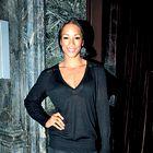 Večna črna barva - suknjič, krilo, hlače, srajca, pletenina