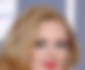 Adele pričakuje prvega otroka