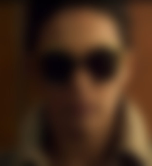Maya Sansa v filmčku nosi nova očala culte.