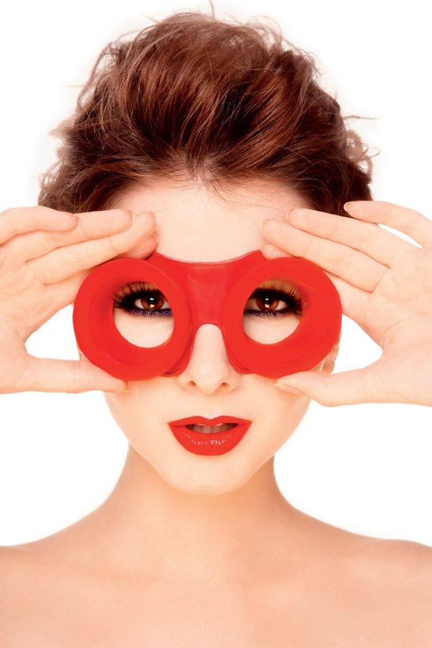 Kako zaščititi oči? Ni samo delo z računalnikom tisto, ki jim škoduje ... - Foto: Shutterstock.com