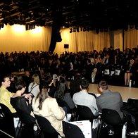 Polna dvorana pred začetkom revije (foto: Sašo Radej)