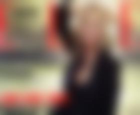 Kate Moss pod soncem Saint-Tropeza