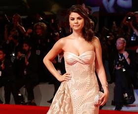 Benetke: Selena in Vanessa odraščata