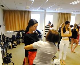 Foto: Modeli pomerjajo oblačila za PFW