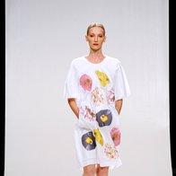 Almira Sadar: Ko srajca postane obleka (foto: Primož Predalič)