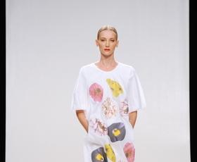 Almira Sadar: Ko srajca postane obleka