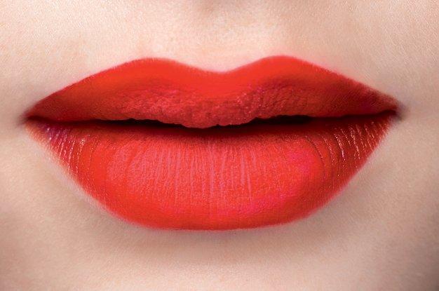 Triki za udarno naličene ustnice - Foto: Fulvio Grissoni, Imaxtree in promocijsko gradivo
