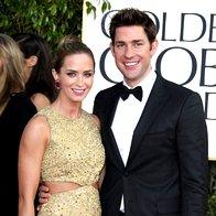 Zlato-črna Emily Blunt in John Krainski, ona v obleki Michael Kors
