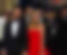 Jen Aniston v zakon v obleki Valentino?
