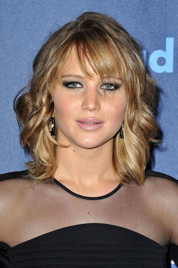 Jennifer lawrence new haircut giving face and hair pinterest