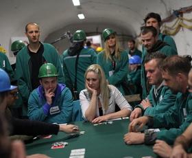"""Znani """"pokeraši"""" 200 metrov pod zemljo"""