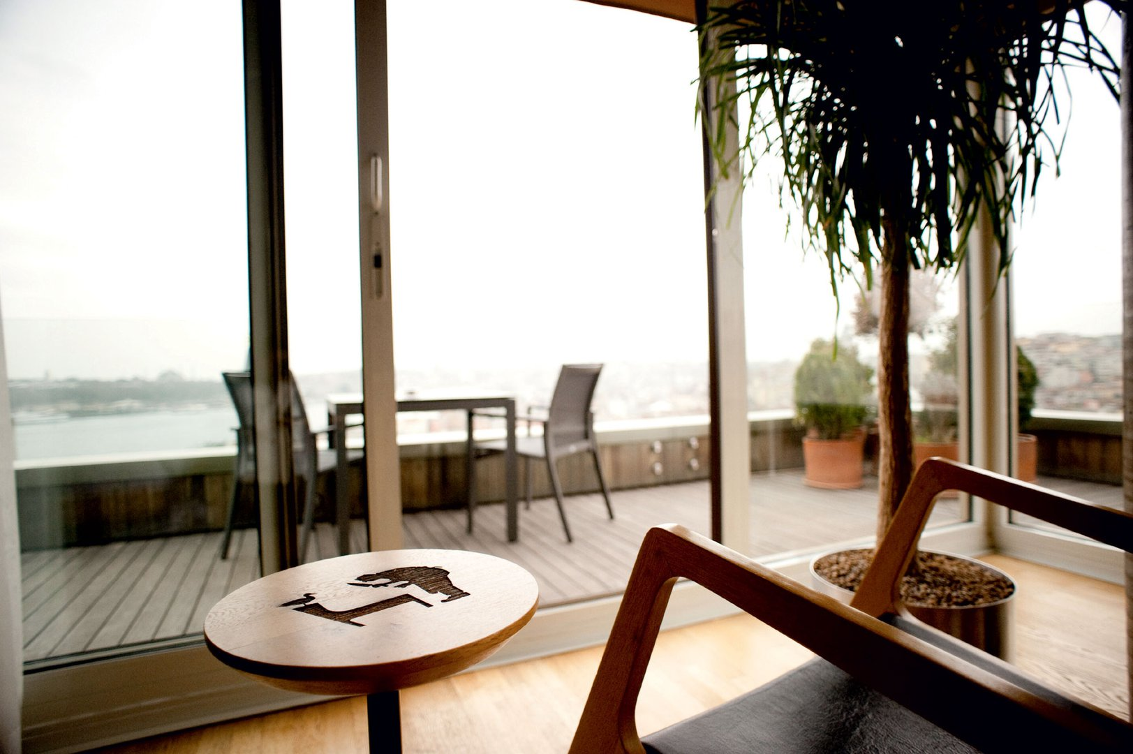 Hotel witt istanbul buti na oaza sredi velemesta dekor for Dekor hotel