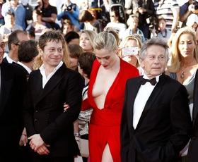 Cannes: Globok dekolte, visok izrez - preveč?
