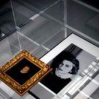 Portreta Coco Chanel in Katarine Medičejske. (foto: Promocijsko gradivo, metropolitan museum of art)