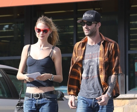 "Adam Levine zaprosil ""angelsko"" Behati"