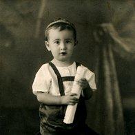 18. stoletje - začetek hratkih hlač (foto: Getty Images, Shutterstock.com, promocijsko gradivo in arhiv Elle)