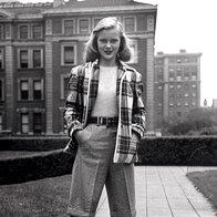 Bermuda hlače iz leta 1946. (foto: Getty Images, Shutterstock.com, promocijsko gradivo in arhiv Elle)