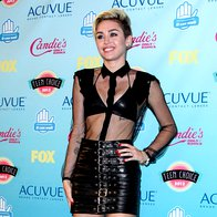 Miley Cyrus, Saint Laurent (foto: Profimedia)