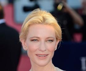 Cate Blanchett v Deauvillu: Armani in Dior