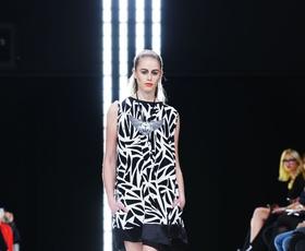 Foto in video: Ponedeljkova modna revija na Fashion Weeku Aquafresh