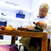 Foto: Kako nastajajo čevlji Salvatore Ferragamo (foto: Galerija Emporium)