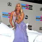 """Foto: Gaga """"prijezdila"""" in zasenčila Miley"""