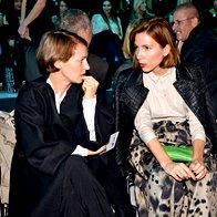 Oblikovalka Aleksandra Brlan in publicistka Urša Jerkič (foto: primož predalič, sašo radej)