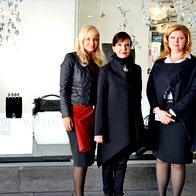 Jerneja Jager, direktorica Modiane, Marjeta Grošelj in Katja Mihelič, direktorica blagovnice Maxi. (foto: primož predalič, sašo radej)