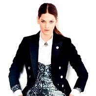 Frak Armani Jeans, 479 €; majica Adolfo Dominguez, 149 €; bluza Max & Co., 89 €; hlače Max & Co., 105 €; broška Parfois, 12,95 €. (foto: mimi antolović)
