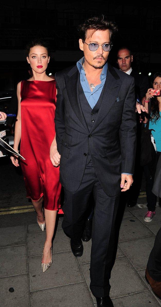 Johnny Depp: Amber zaprosil za roko - Foto: Profimedia