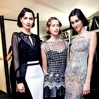 Okrasje visoke mode: Bluza in krilo ter obleki, vse Maja Ferme. (foto: Helena Kermelj)